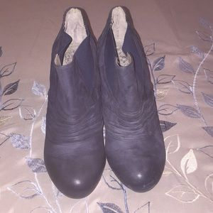 Vince Camuto Blue Faded Leather Boots